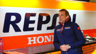 Livio Suppo, en el box de Honda.