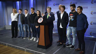 El presidente de Colombia, Juan Manuel Santos, se dirige a los medios...