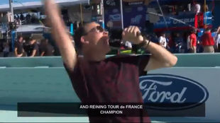 Chris Froome da la orden de arrancar a los pilotos del Ford...