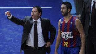 Xavi Pascual y Juan Carlos Navarro durante un encuentro en el...