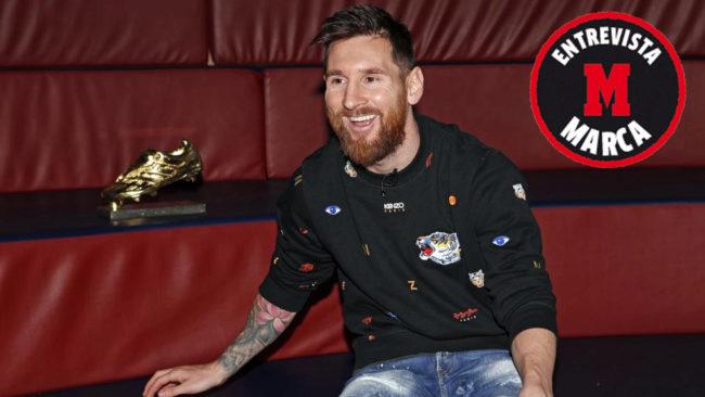 Leo Messi, sonriente durante la entrevista con MARCA