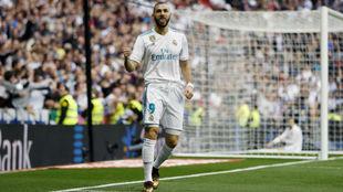 Benzema celebra su gol ante el Málaga