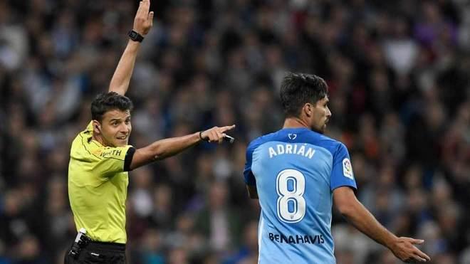 Adrián y Gil Manzano, en un momento del encuentro del Bernabéu.