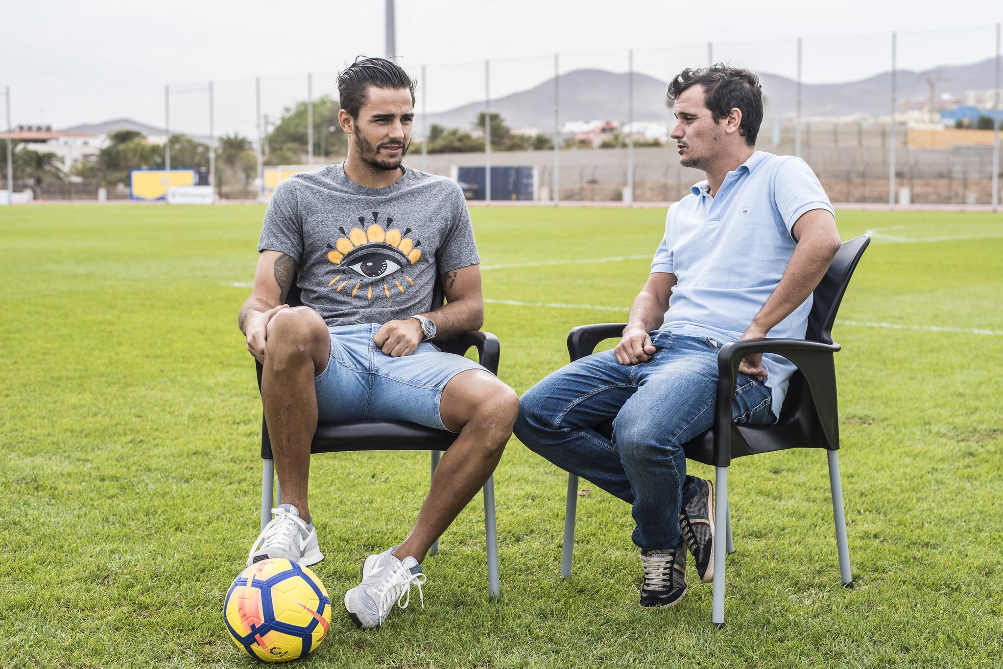 Un momento de la entrevista en la Ciudad Deportiva de Las Palmas