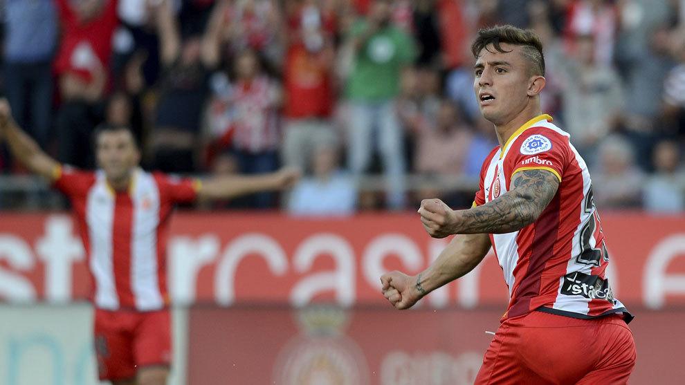 Pablo Maffeo en un partido con el Girona.