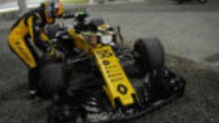Carlos Sainz, justo al retirarse del GP de Abu Dabi