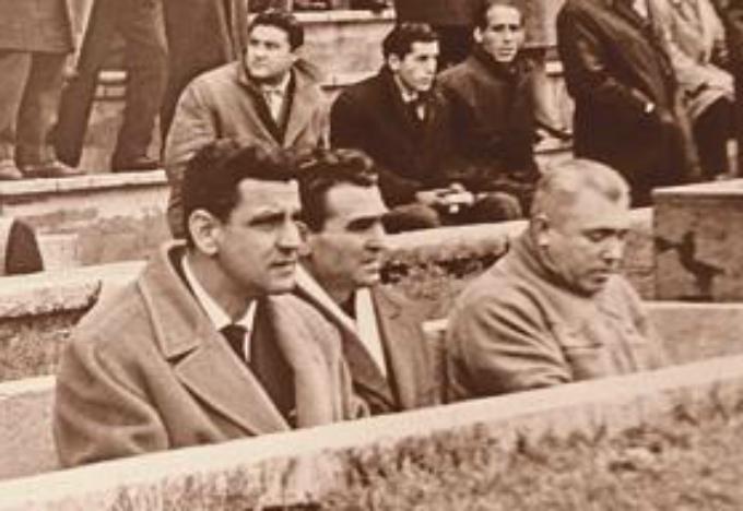 Ramón Balaguer, en el centro, en su etapa en el Levante