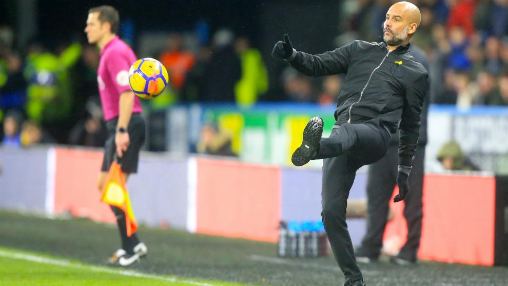 Guardiola, durante el partido frente al Huddersfield.