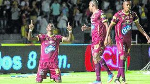 Mosquera celebra el gol del Deportes Tolima.