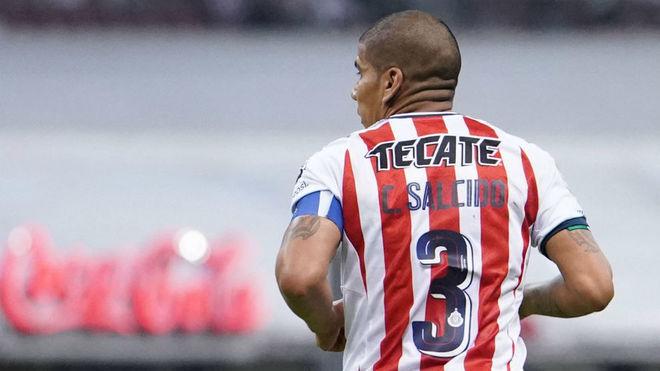 Carlos Salcido, en un partido del Apertura de la Liga MX