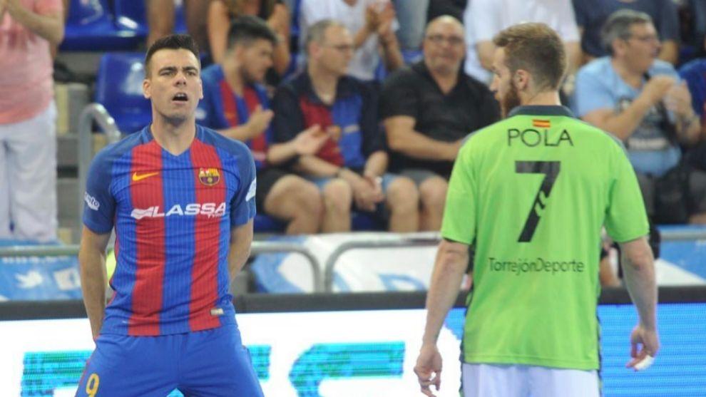 Lozano y Pola durante un Movistar Inter - Barcelona