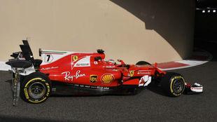 Raikkonen pasa por el túnel de boxes para iniciar una de sus tandas.