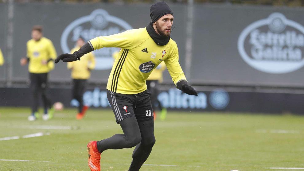 Sergi Gómez, en el entrenamiento del Celta