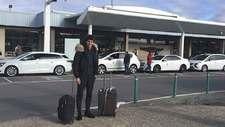 Diego Fabbrini  posa tras su llegada al aeropuerto de Asturias