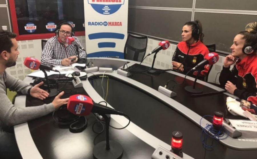 Carmen Martín y Nerea Pena en los estudios de Radio MARCA