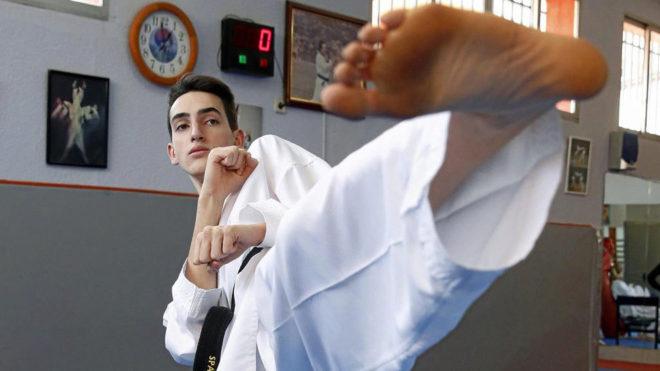Jesús Tortosa durante un entrenamiento en el gimnasio de su familia...