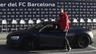 Barcelona squad take delivery of a fleet of Audis
