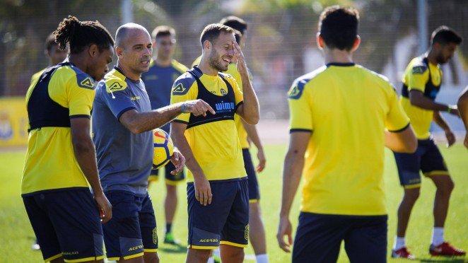 Paquito Ortiz y Rafa Cristóbal dirigen el entrenamiento de la...