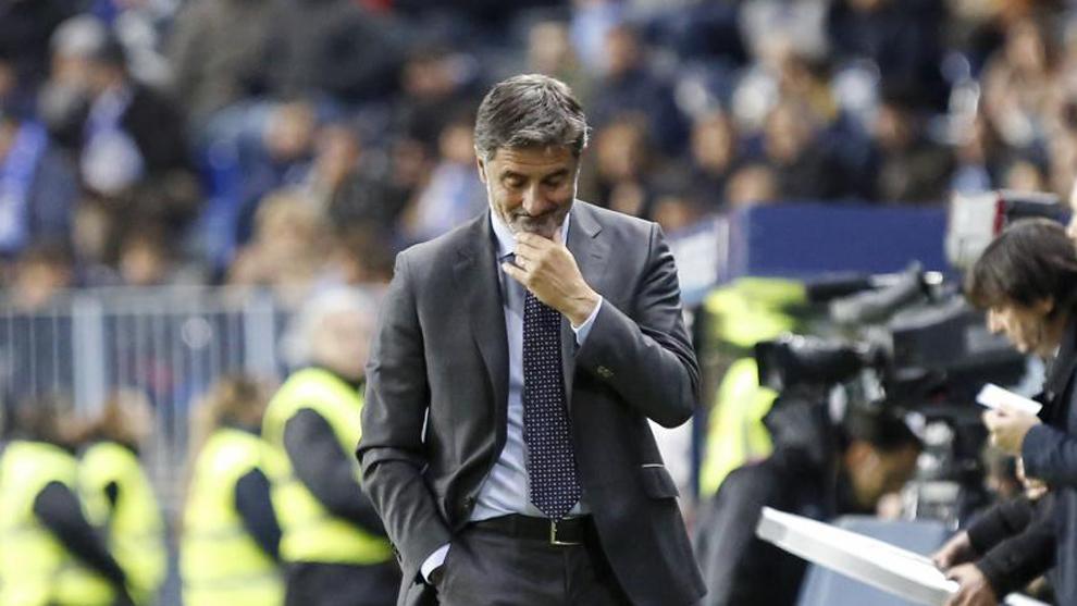 Míchel, en un instante del encuentro entre el Málaga y el Levante