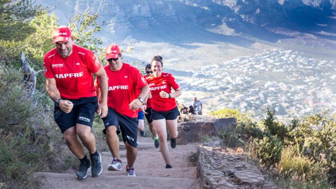 La tripulación del MAPFRE entrenándose en Sudáfrica.