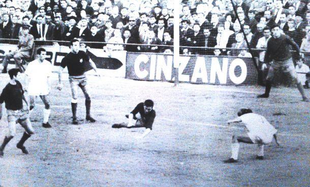 Imagen del triunfo del Pontevedra sobre el Real Madrid (3-0).