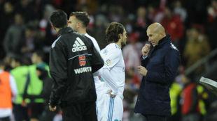 Zidane, en San Mamés, en los cambios de Kovacic y Mayoral.