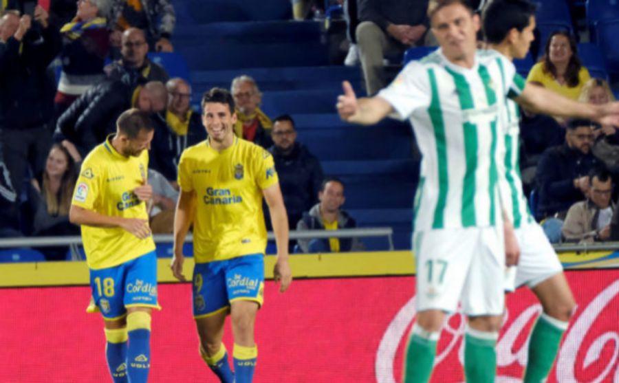 Los jugadores de la UD Las Palmas celebrando el gol ante la...