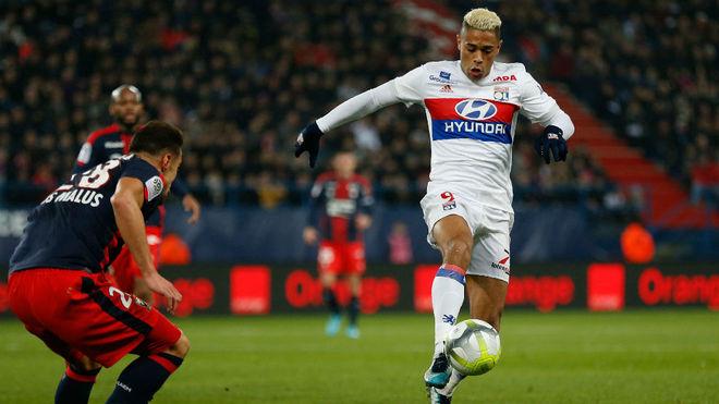 b59072d30 Caen vs Olympique Lyon  Lyon cut PSG s lead to nine points with 2-1 ...