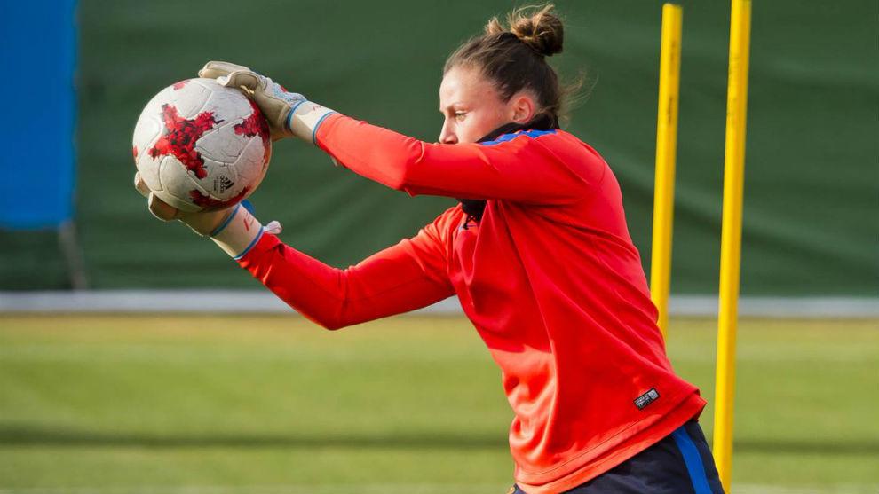 Sandra Paños durante un entrenamiento con el Barcelona.