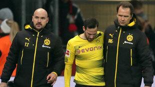 Gonzalo Castro sale lesionado del partido ante el Bayer Leverkusen