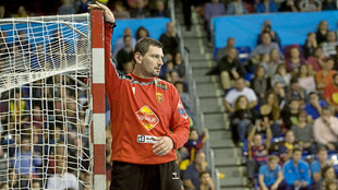 Arpad Sterbik durante un partido con el Vardar
