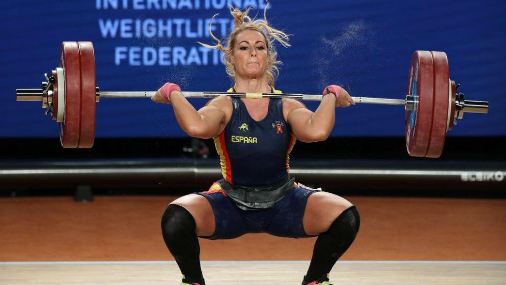 Lydia Valentín realiza una cargada durante el Campeonato del Mundo de...