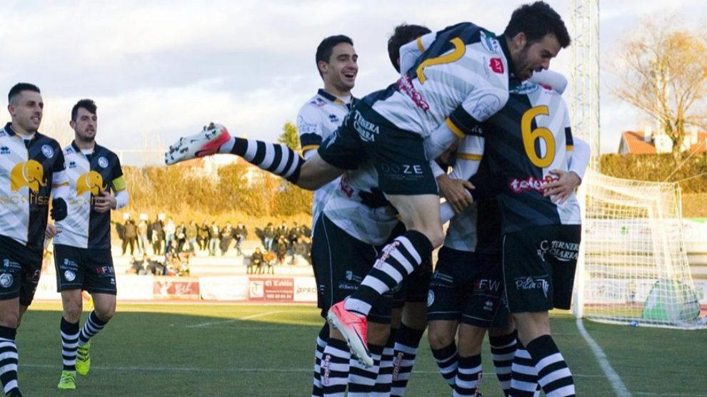 Jugadores de Unionistas celebran un gol en esta temporada.