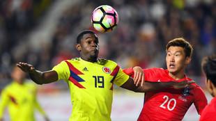 Duván Zapata durante un partido con Colombia