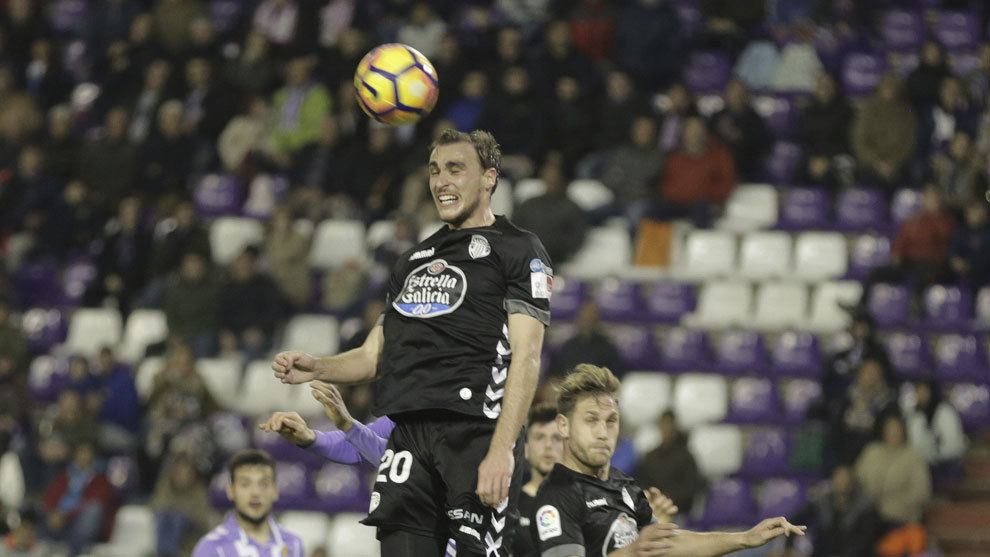 Ignasi Miqel durante un partido con el Lugo.