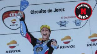 Alonso López, en el podio de Jerez.
