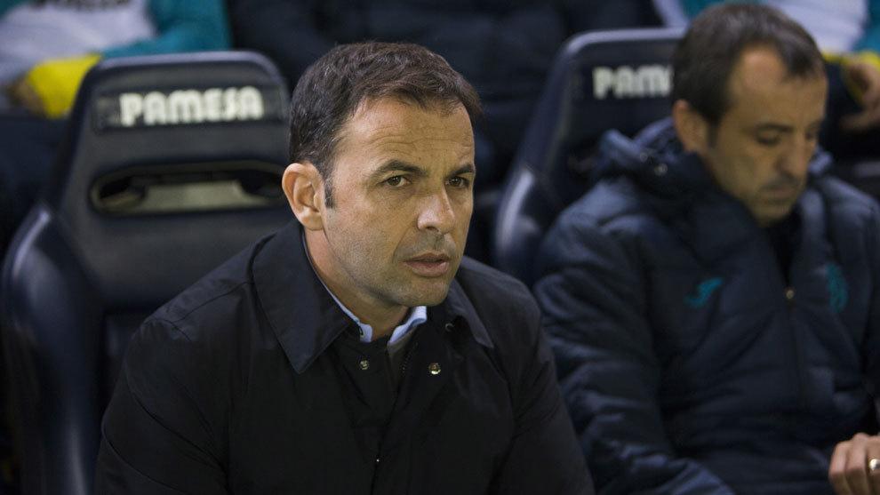 Javier Calleja, técnico del Villarreal.
