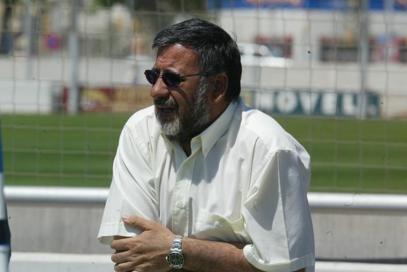 Juanjo Díaz observa un entrenamiento en Sant Adrià