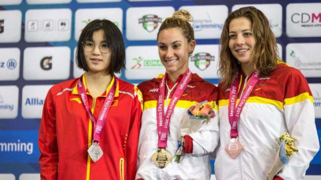 Sarai Gascón y Nuria Marqués, en el podio.