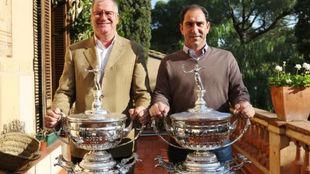 Beto Agustí y Albert Costa, con los trofeos