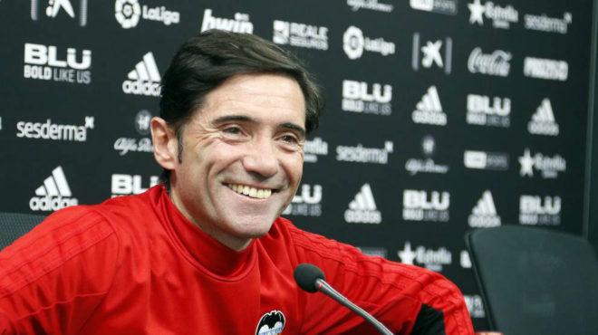 Marcelino sonríe durante la rueda de prensa de hoy.