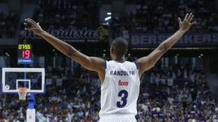 Anthony Randolph celebra una canasta en un partido del Madrid.