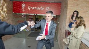 Alcaraz se despide de la afición nazarí en su etapa de 2014.