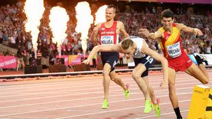 Filip Ingebrigtsen, a su entrada en meta en los 1.500 del Mundial, con...