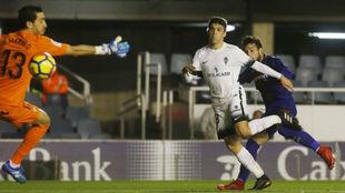 Arnáiz hace el segundo gol del Barça B, el sexto en su cuenta este...