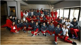 Los 40 seleccionados del equipo español en Madrid, justo antes de...