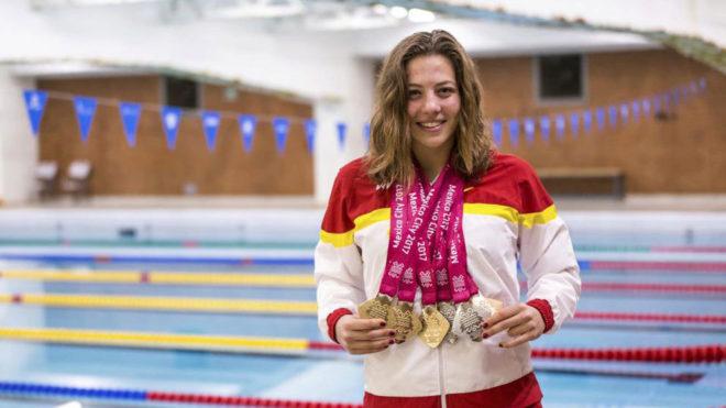 Nuria Marqués posa con sus seis medalla en los Mundiales