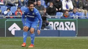 Bergara se duele de la rodilla durante el partido ante el Eibar.