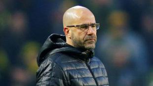 Peter Bosz destituido como entrenador del Dortmund.