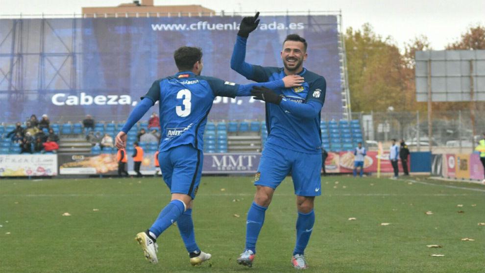 Dioni Villalba celebra uno de los cinco goles anotados al Coruxo